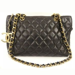 Rare Auth CHANEL Matelasse Quilted Shoulder Bag